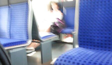 נודיסט עירום צפייה ישירה בסרטי סקס שלא נבחר בחצר.