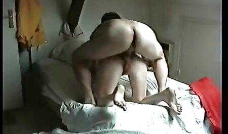 אישה זיינה במסכה סרטים ארוטים לצפיה ישירה וצווארון זיון